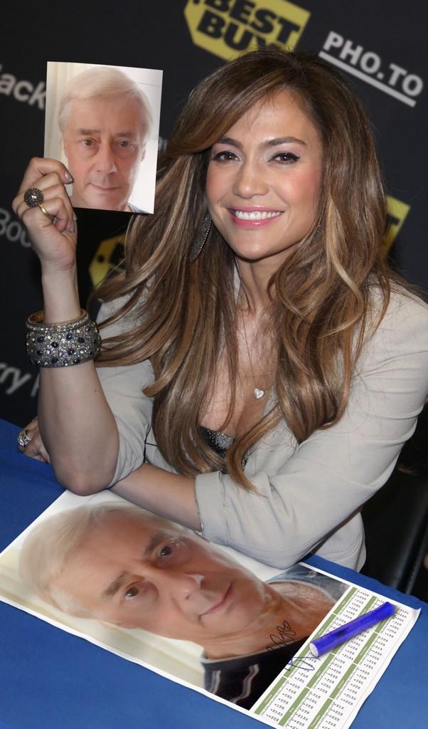Jennifer Lopez présente Palmito.jpeg