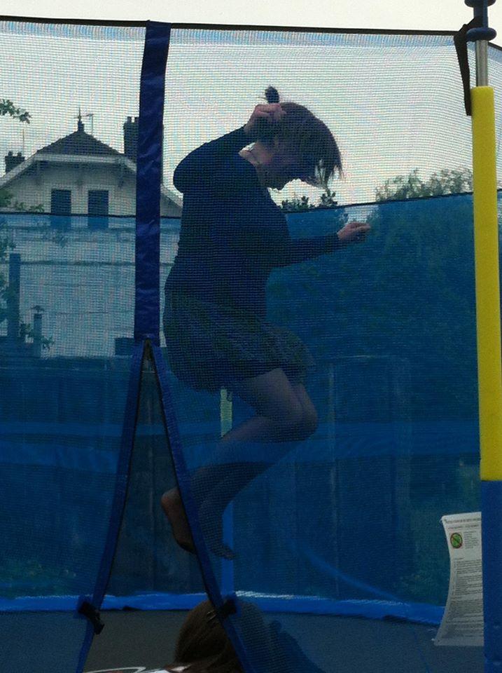 moi sur lr trampoline.jpg